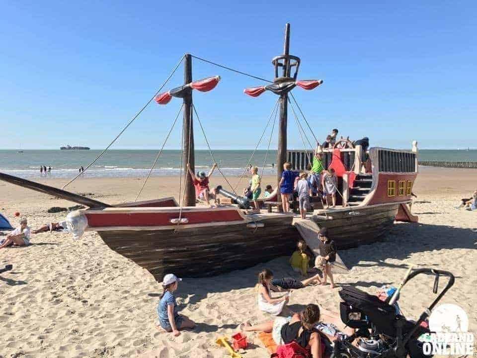 Piratenschip-bij-de-Piraat-Cadzand