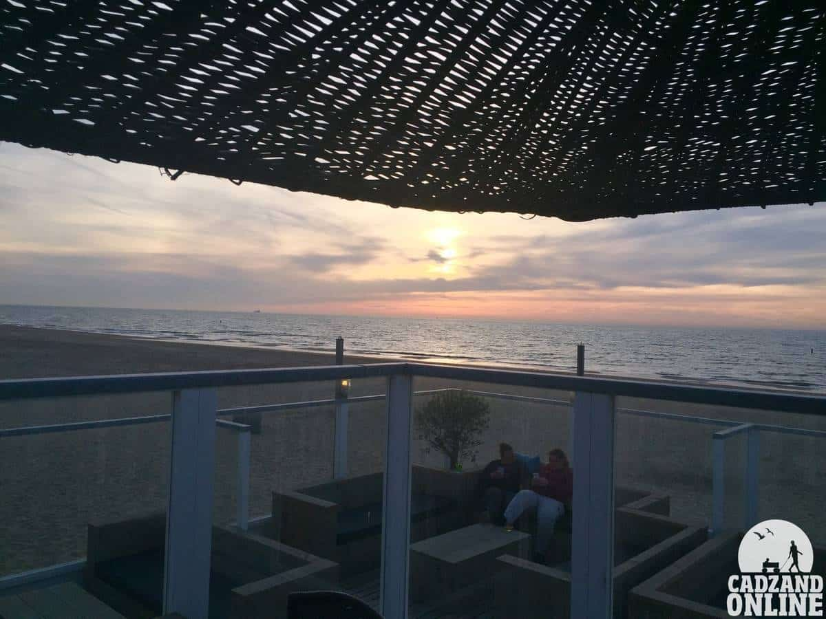 Terras-Beachhouse-25-zonsondergang