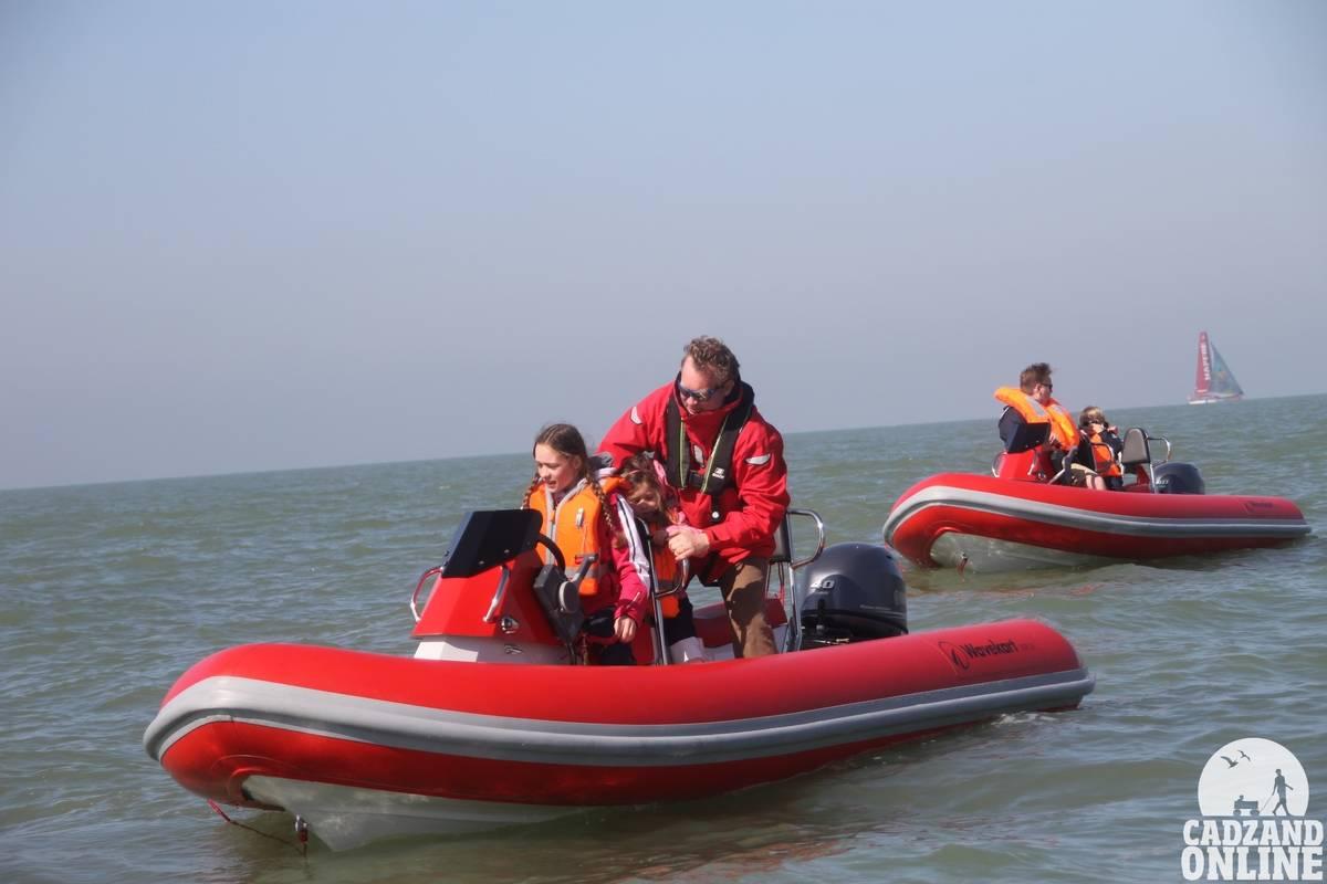 Bootje-varen-Cadzand-op-de-Noordzee