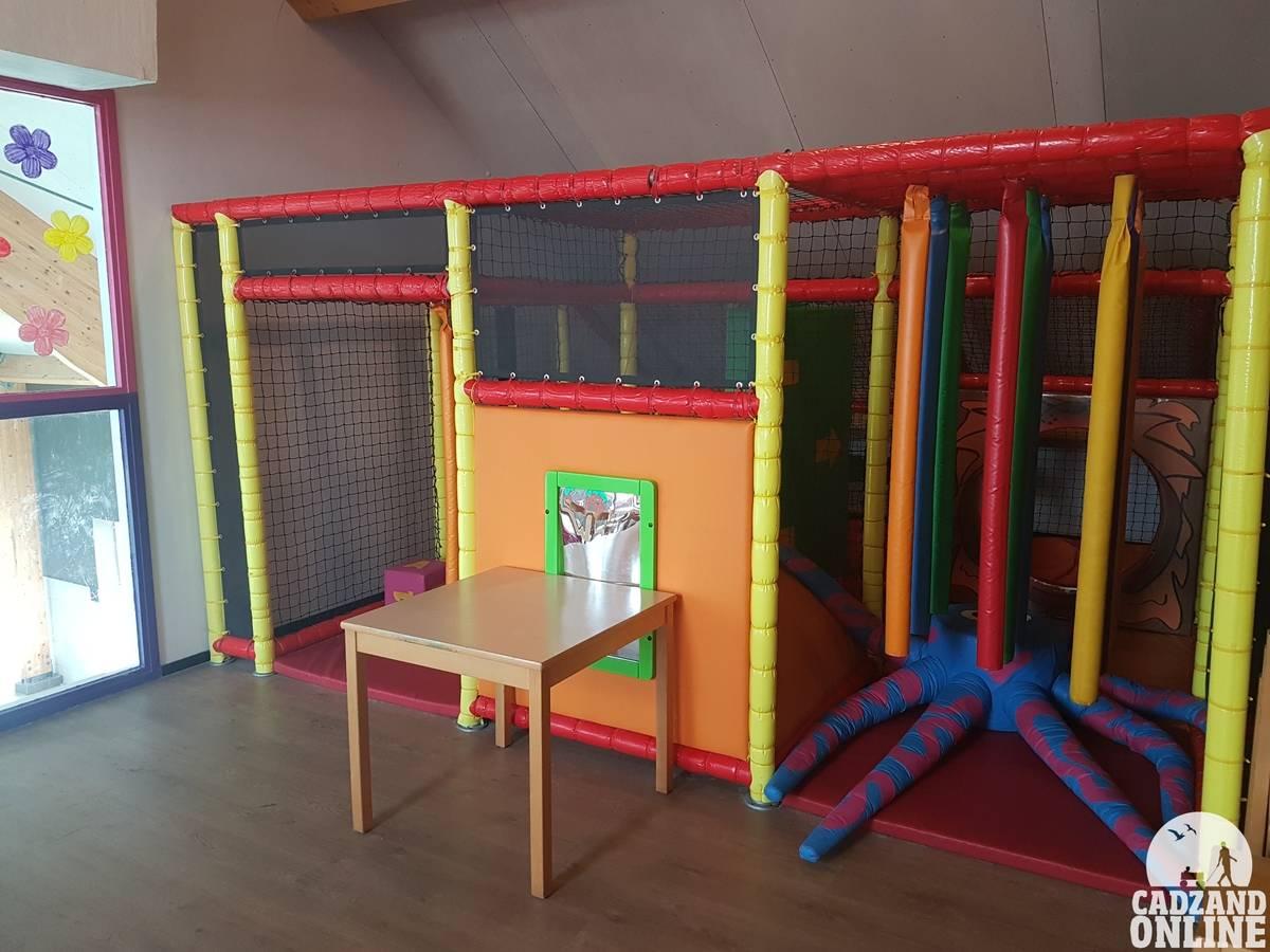 Binnen-speelplaats-Nieuwvliet-vakantiepark
