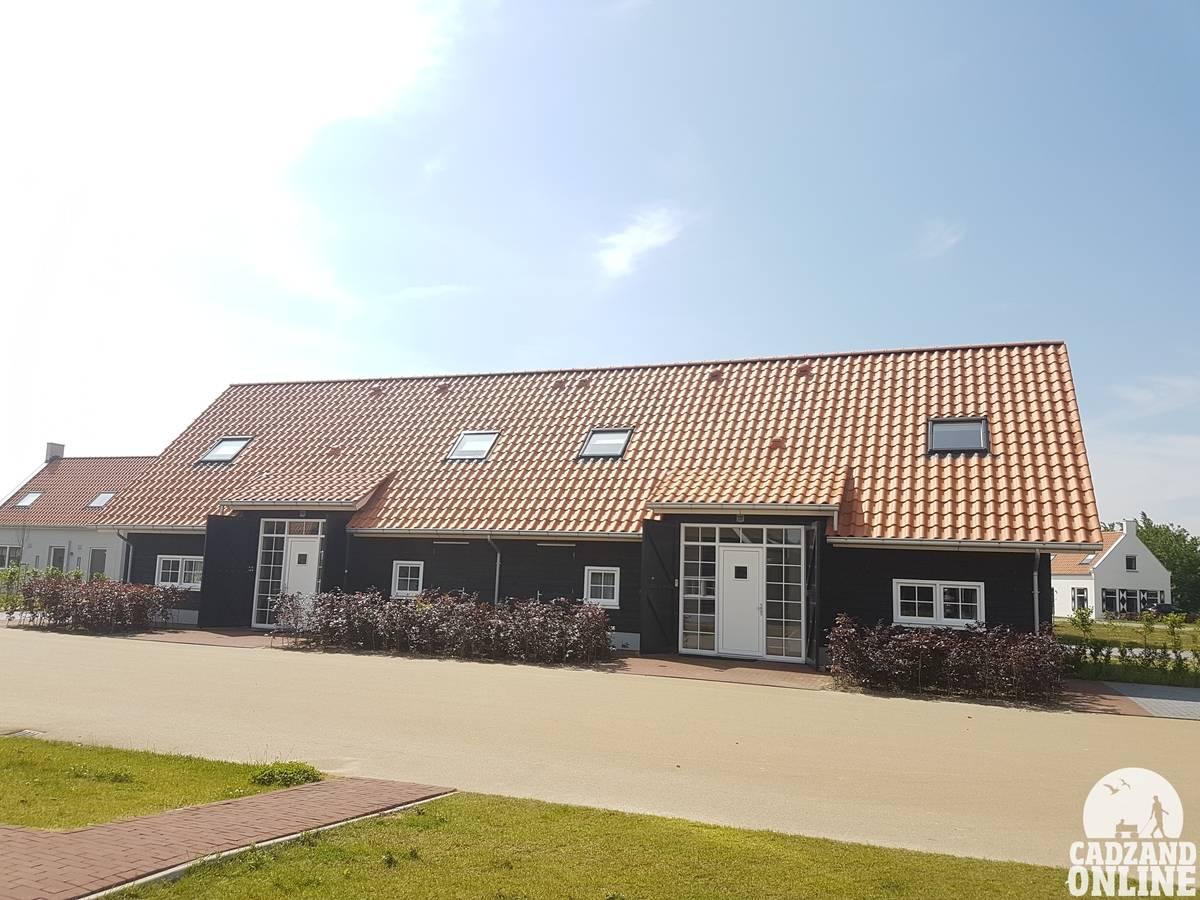 Groot-vakantiehuis-Nieuwvliet-vlakbij-Cadzand-1