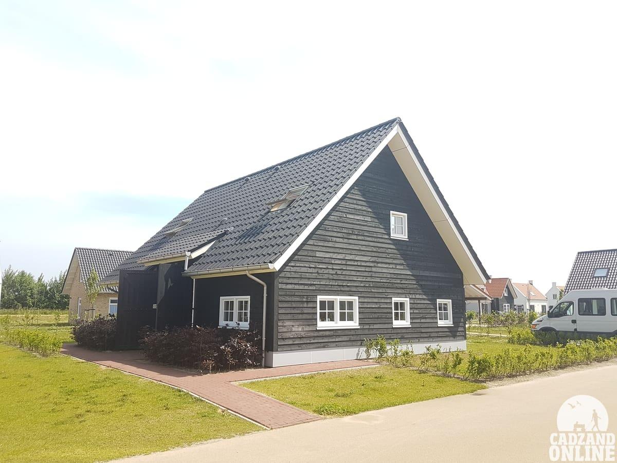 Groot-vakantiehuis-aan-zee-Nieuwvliet