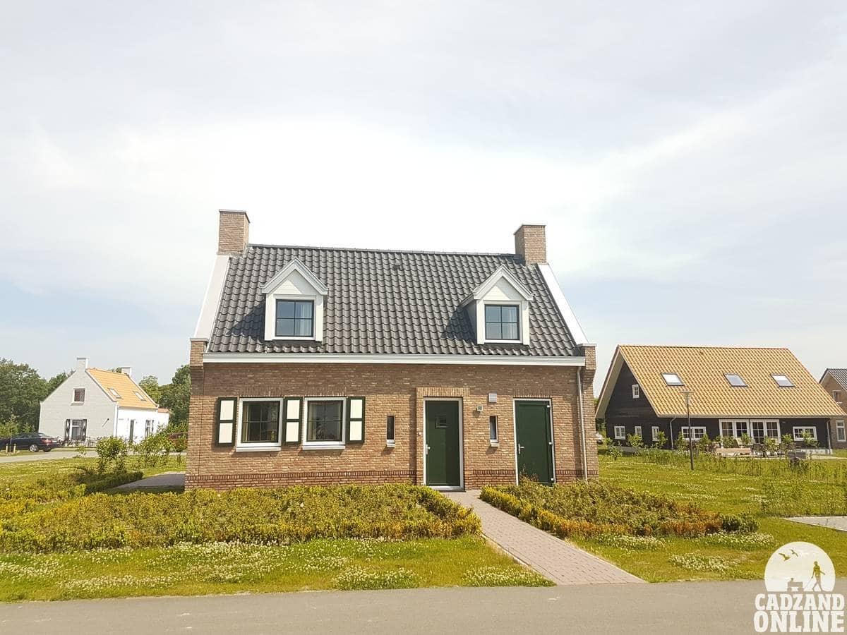 Vakantiehuis-boerderij-Nieuwvliet-vlak-bij-strand-en-zee