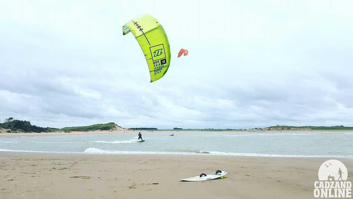 Kitesurfers-bij-het-Zwin-Cadzand-Bad