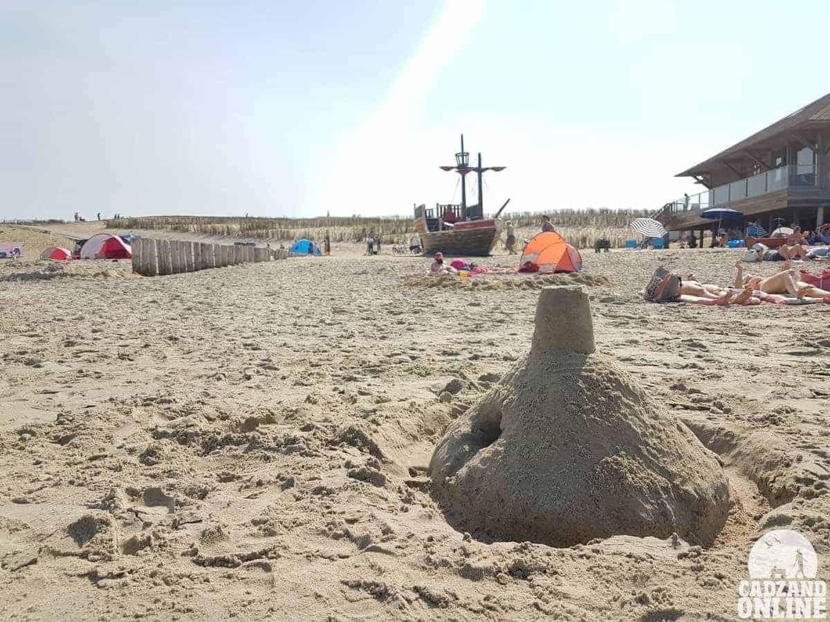 Zandkasteel-strand-Cadzand-Bad
