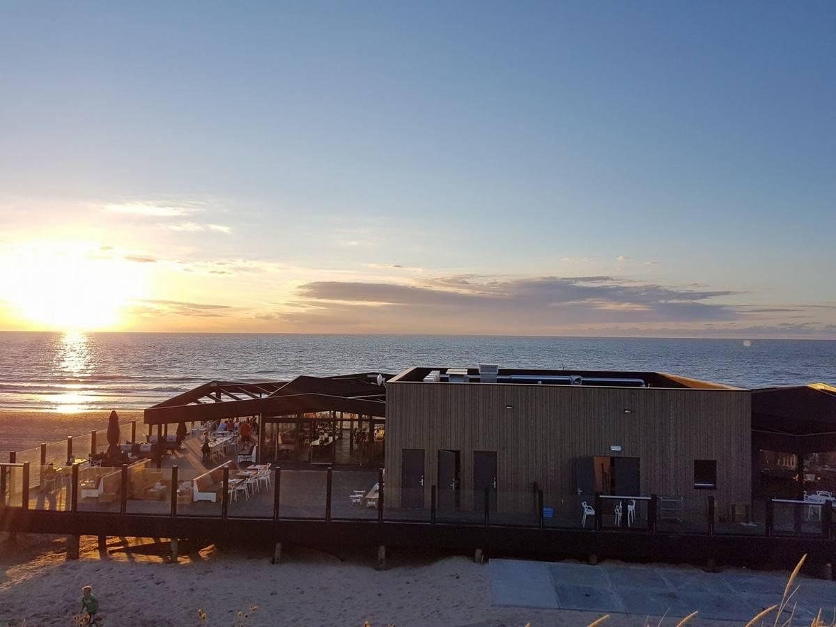 zonsondergang-strandpaviljoen-DOK-14