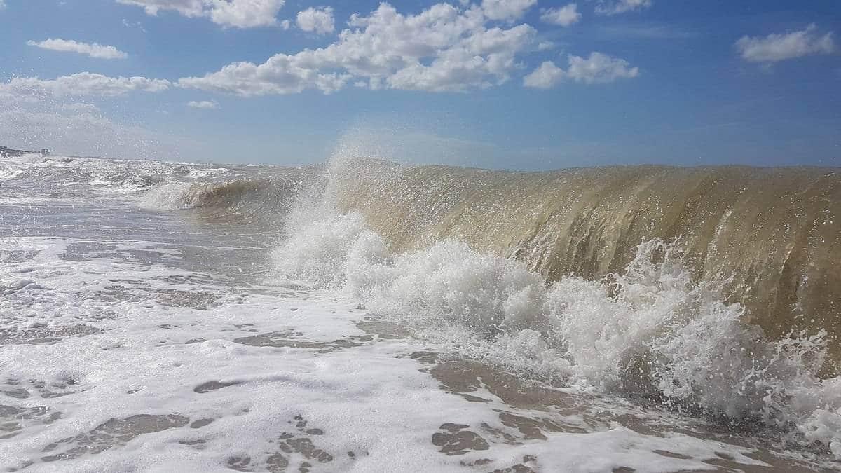 zee-golven-Cadzand-Bad
