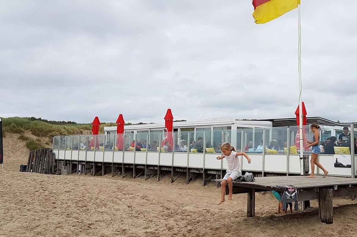 Strandpaviljoen-Zeemeeuw